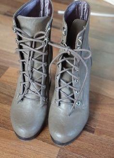 Kaufe meinen Artikel bei #Kleiderkreisel http://www.kleiderkreisel.de/damenschuhe/stiefeletten/124703234-hm-schuhe-mit-absatz