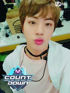 M COUNTDOWN Jin selfie 170223