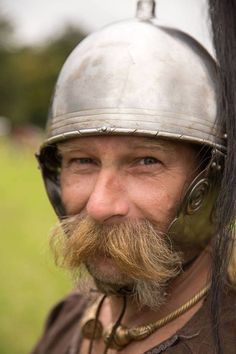 Brif-Lon (Sergeant-Major) Brast ap Bwlch of Selgofa and Albion. Celtic Clothing, Roman Legion, Celtic Warriors, Celtic Culture, Iron Age, Fantasy Warrior, Picts, Ancient Rome, Barbarian