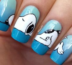 Snoopy nails.........I  soooo want these nails!!!!!!!!!!!!