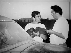 Pier Paolo Pasolini and Federico Fellini discuss the script on the set of Le notti di Cabiria (Fellini, Bernardo Bertolucci, Pier Paolo Pasolini, Werner Herzog, People Videos, Great Films, Drama Film, Venice Beach, Film Director, Screenwriting