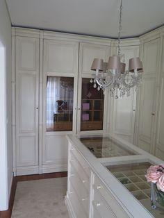 Wooden walk-in wardrobe PALLADIO STYLE F.M. Bottega d\'Arte Mobili ...