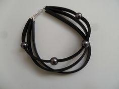 Bracelet noir et gris en chambre à air et perles Bijoux fantaisie : Bracelet par lolit-artcreation