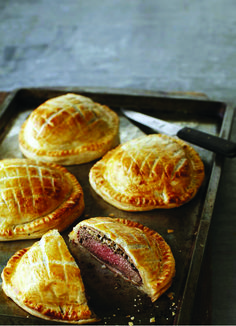 Last Minute beef wellington recipe canadian living developed by nutritionists Beef Wellington Recipe, Wellington Food, Seafood Recipes, Beef Recipes, Cooking Recipes, Salad Recipes, Recipies, Great Recipes, Favorite Recipes