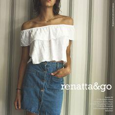 Top con volantes y falda vaquera #moda                                                                                                                                                                                 Más