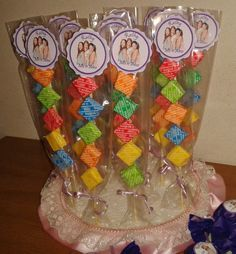 Golosinas Personalizadas Candy Bar Promocion Oferta Para 15 - $ 279,00 en MercadoLibre Candy Party, Party Treats, Party Favors, Candy Kabobs, Snow White Birthday, Troll Party, Candy Crafts, Candy Bouquet, Candy Table