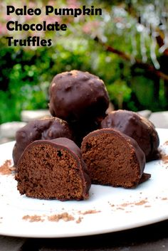 Fit to Blog: Paleo Pumpkin Chocolate Truffles (egg free, dairy free, gluten free, can be vegan)