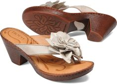 Pretty summer sandal must have