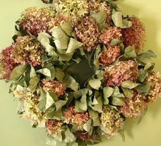 decorating with dried hydrangeas | Tag Archives: decorating with dried flowers