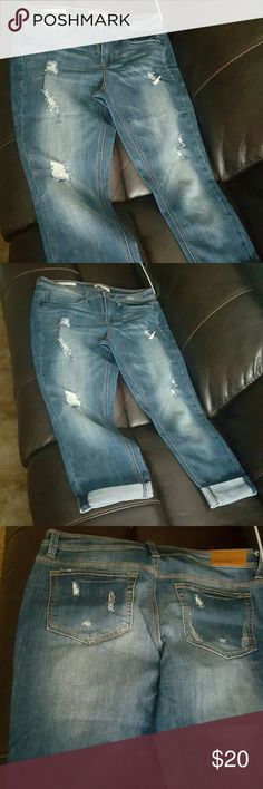 Jeans Roll-up skinny capri only woren 1 time. Can wear with t-shirts or nice club tops.. Dollhouse Jeans Skinny