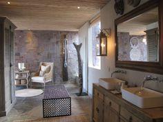 SH Suite Bathroom - low res