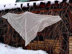 "Ravelry: Triangular kerchief ""Alatyr Star"" pattern by Irina Oyra"
