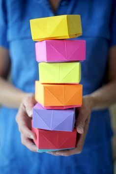 Learn how to make these origami DIY paper boxes!