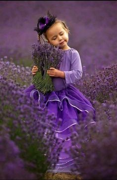 New Photography Flowers Field Ana Rosa Ideas Purple Love, All Things Purple, Purple Rain, Shades Of Purple, Purple Flowers, Purple Stuff, Lavender Cottage, Lavender Garden, Lavender Blue