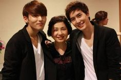 Ryeowook and his mom, and Kyuhyun! <3