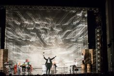 """Yury Butusov's """"Drums in the Night"""" at the Pushkin Theater"""