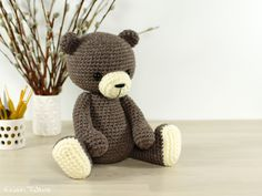 Classic 4-way jointed crocheted teddy bear // Kristi Tullus (spire.ee)