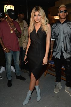 Kylie Jenner & Tyga Take In More NYFW Shows!: Photo Kylie Jenner and her boyfriend Tyga sit front row together at the Opening Ceremony Spring 2016 fashion show during New York Fashion Week held at 25 Wall Street on… Kylie Jenner Blog, Kylie Jenner Hair, Estilo Kylie Jenner, Kylie Jenner Pictures, Kendall And Kylie Jenner, Jenner Photos, Travis Scott, Fashion Week, New York Fashion