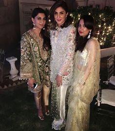 Khadija Shah ( CH : ELAN) looks million dollars in this pearl white Elan outfit @khadijahshah We love these Gorgeous different outfits by Elan #elan #asianbride #repost #weddingideas #pakistanvogue