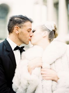 http://www.jenhuangblog kissing in winter with a fur coat