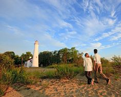 Lighthouses, state parks, charter fishing, scenic drives and shipwreck tours attract travelers to Lake Huron, the second-largest of the Great Lakes, on the Sunrise Side of Michigan's Lower Peninsula. Check out our guide for what to do, where to eat and where to stay.