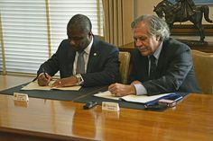 An agreement was signed in Washington, D.C. Wednesday between the Haitian government and the General Secretariat of the Organization of American States (OAS) on the privileges and immunity of the Election Observation Mission of the OAS in the forthcoming presidential, parliamentary and local election.