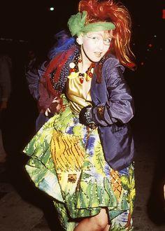"fragilestability: "" Cyndi Lauper at the 1984 Grammy's "" Cyndi Lauper Costume, Divas Pop, The Wedding Singer, Famous Musicians, Stevie Wonder, Looks Style, 80s Fashion, New Wave, Blazer"