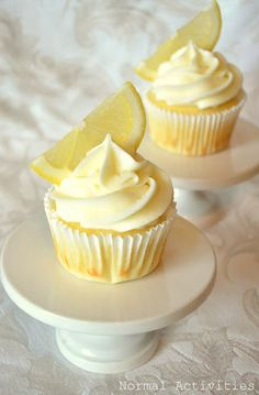 Limoncello Cupcakes, can this be the dessert for our homemade Italian dinner @Amber Boyer ?