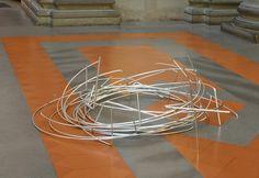 ANTONIO CATELANI, Klettersteig, 2012, aluminum, Ø 160 cm, Installation view, Tribuna del David/Galleria dell'Accademia, Florence
