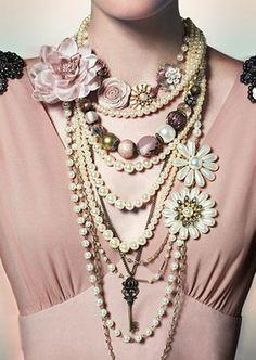 rose fashion and statement jewelry Frock Fashion, Couture Fashion, Vintage Jewelry Crafts, Vintage Jewellery, Fashion Necklace, Fashion Jewelry, Braided Scarf, Peach Blush, India Jewelry