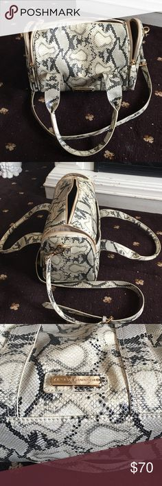 Steven madden faux snake skin design beautiful Steve Madden snakeskin DESGIN bag cream and black stunning bag with two outside picket on side one front compactment handle straps one shoulder strap very good condition Steven madden  Bags Satchels