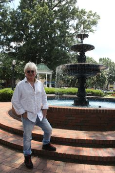 There is a reason Air Supply singer Russell Hitchcock is standing in Marietta Square. Marietta Square, Air Supply, Mom And Sister, Michael Buble, Great Bands, The Beatles, Atlanta, Singer, Nice Person