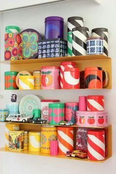 Aarikka Finland, retro purkkeja Products I Love in 2019 retro home products - Retro Products Vintage Kitchenware, Vintage Tins, Retro Vintage, Retro Room, Retro Home Decor, Tin Boxes, Marimekko, Design Case, Scandinavian Design