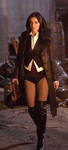 Zatanna Zatara - Serinda Swan - Smallville, TV Series 2009-2010
