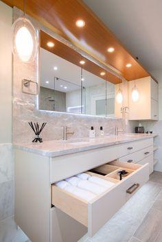 44 Trendy Bathroom Storage Ideas For Towels Drawers Bathroom Sink Cabinets, Bathroom Storage, Small Bathroom, Towel Storage, Bathroom Pink, Bathroom Shelves, Bathroom Luxury, Bathroom Product Organization, Wall Cabinets