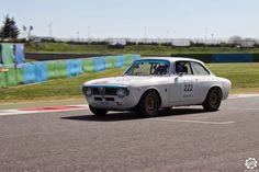 #Alfa_Romeo #1600 #GTA de 1965 participant au #TourAuto 2015 photographiée sur le #circuit de #magny_cours. Article complet : http://newsdanciennes.com/2015/04/21/grand-format-news-danciennes-a-magny-cours-pour-le-tour-auto/ Issu de l'article : Tour Auto 2015 à Magny Cours par News d'Anciennes #ClassicCar #Voiture #Ancienne