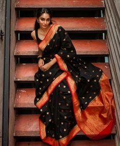 Simple But Stunning Saree Idea :- Wanderlust Fashion Indian Wedding Outfits, Indian Outfits, Indian Clothes, South Indian Sarees, Kerala Saree, Saree Poses, Saree Photoshoot, Stylish Sarees, Dress Indian Style