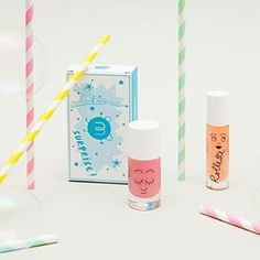 YIPEE!!! 💕😽💕 A gorgeous parcel just landed on our doorstep filled with lots of lovely new colours of Nailmatickids nail polishes and lip glosses! Perfect stocking stuffers for your minis. x