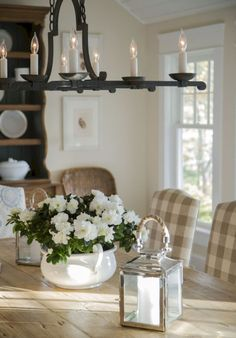 Beautiful French Country Dining Room Ideas (56)
