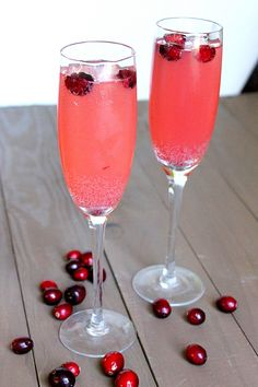 Cranberry Apple Spritzer (Mocktail Style!)