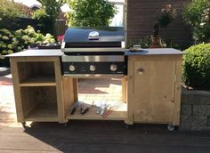 Diy Outdoor Kitchen, Outdoor Decor, Outdoor Grill Station, Outdoor Barbeque, Brick Bbq, Bbq Area, Built In Cabinets, Woodworking Projects Diy, Home Projects