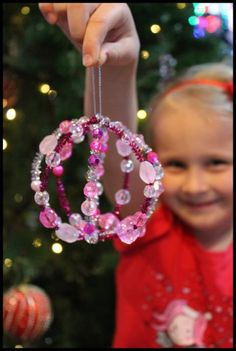 Beaded Christmas Bauble - Using Pipe Cleaners, Beads and a Balloon! A great fine motor activity too. Tweak to a sun catcher maybe? Noel Christmas, Diy Christmas Ornaments, Handmade Christmas, Christmas Decorations, Simple Christmas, Christmas Sweaters, Christmas Activities, Christmas Crafts For Kids, Holiday Crafts