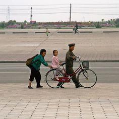 3 generations make their way home in Pyongyang, North Korea Inside North Korea, Life In North Korea, Asia, Korean War, History, Homeschooling, Prayer, Wanderlust, Instagram