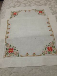 Bed Cover Design, Patiala Suit Designs, Palestinian Embroidery, Round Design, Bed Covers, Table Linens, Doilies, Hand Embroidery, Cross Stitch Patterns