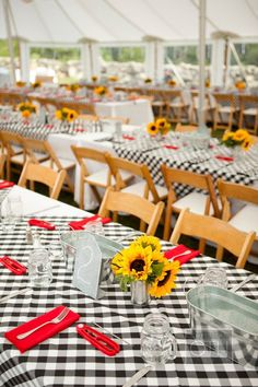 Love this lobster bake idea for a casual rehearsal dinner