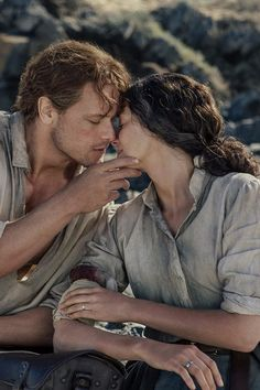 """Actors Sam Heughan and Caitriona Balfe play Jamie and Claire Fraser in the """"Outlander"""" series (Courtesy of Starz) Claire Fraser, Jamie Fraser, Jamie And Claire, Outlander Casting, Outlander Tv Series, Sam Heughan Outlander, Voyager Outlander, Gabaldon Outlander, Victorian"""