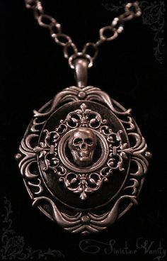 Sinister Vanity Skull Necklace
