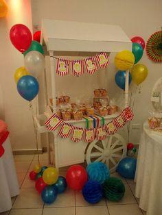 #pochoclos #candybar #circo #cumpleaños #lola #3añitos #esferasdepapel #muchocolor #globos #ambientación #montaje