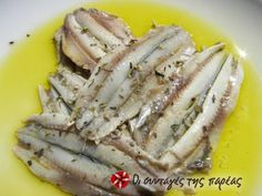 Great recipe for Gavros (anchovies) in vinegar. A delicious snack to accompany our ouzo or tsipouro. Recipe by christina. Greek Recipes, Fish Recipes, Seafood Recipes, Snack Recipes, Seafood Soup, Fish And Seafood, Greek Cooking, Easy Cooking, Anchovy Recipes