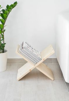 Modern DIY Wooden Magazine Holder